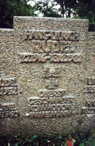 La tumba de algunos personajes de la Segunda Guerra Mundial